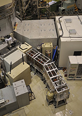 低速陽電子ビームシステム
